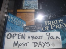 Quirky book shop sign in Glen Innes