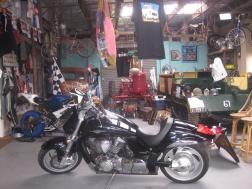 Inside Moo Moo Roadhouse